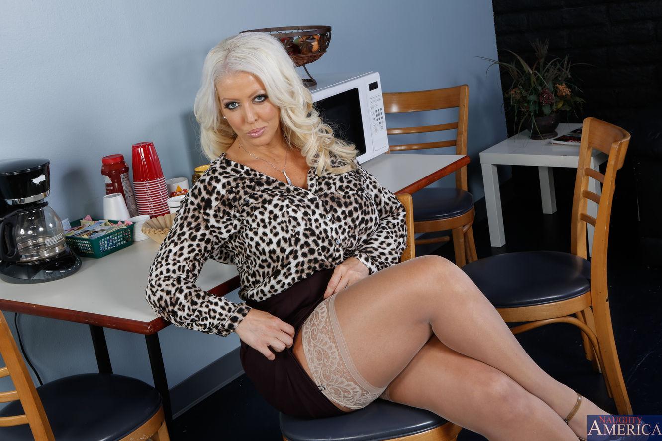Porn studio packages  Porn Pay Per View  Adult VOD