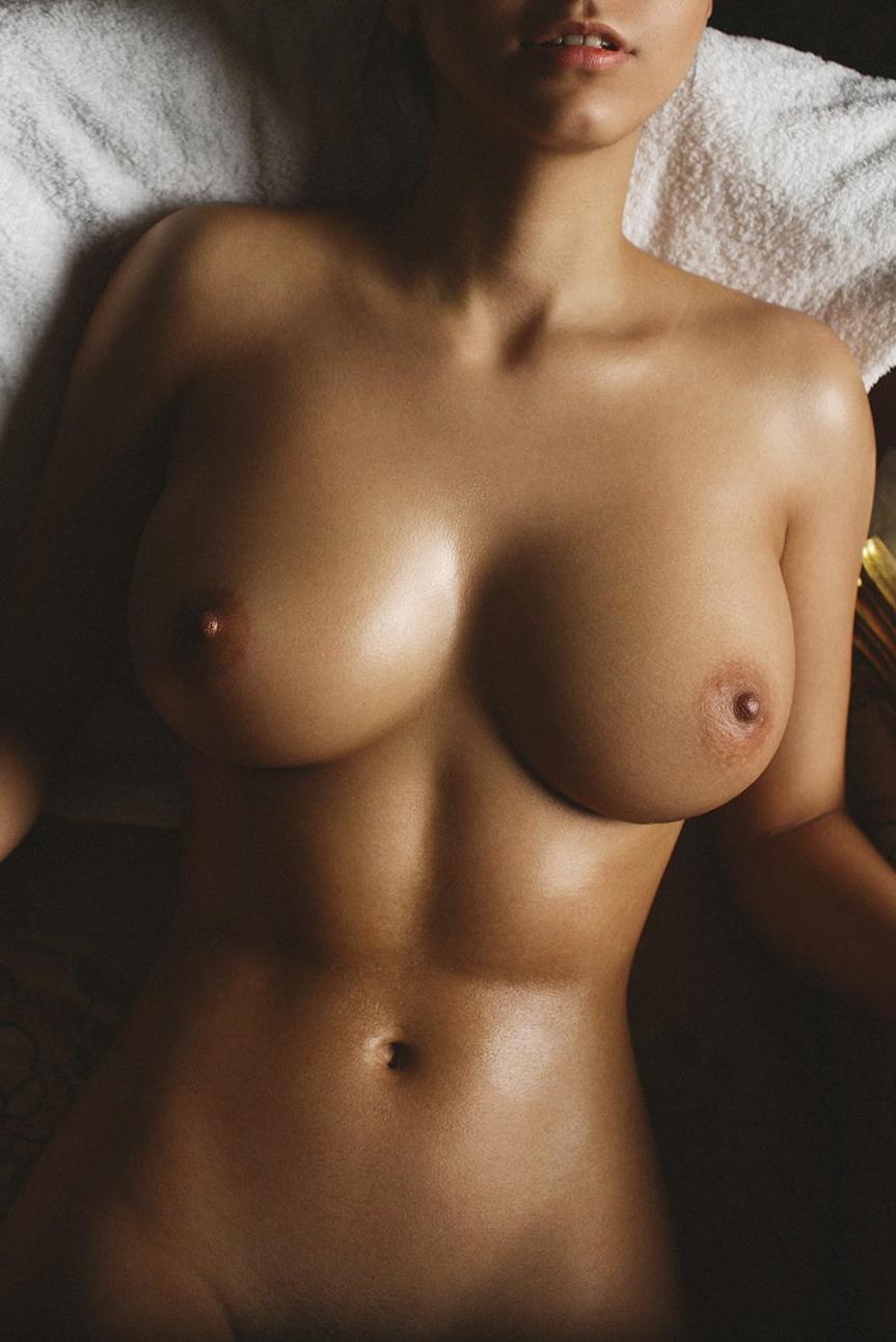 nice-titties-hard-abs
