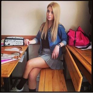 Türk İfşa Liseli kız mükemmel sexy konuşmalı  Sürpriz